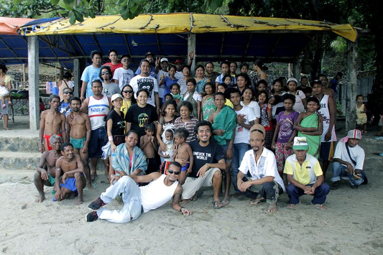 Gershom, his team and the Aeta people